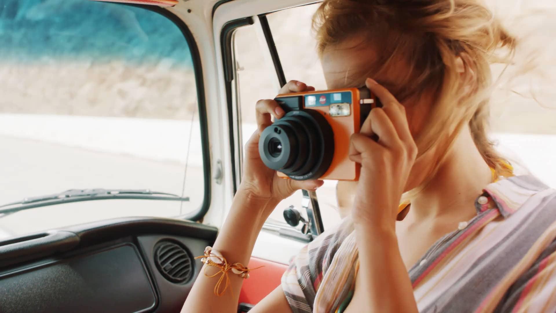 Frame The Moment 徕卡sofort相机